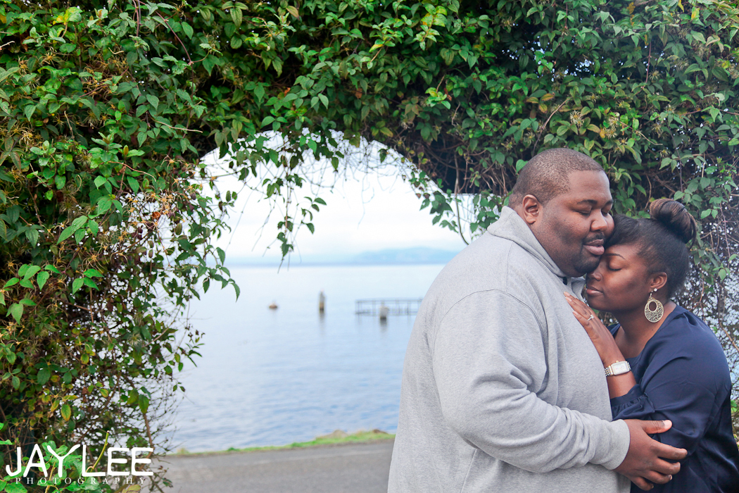 cozy engagment photography, casual engagement photography, lifestyle photography engagement