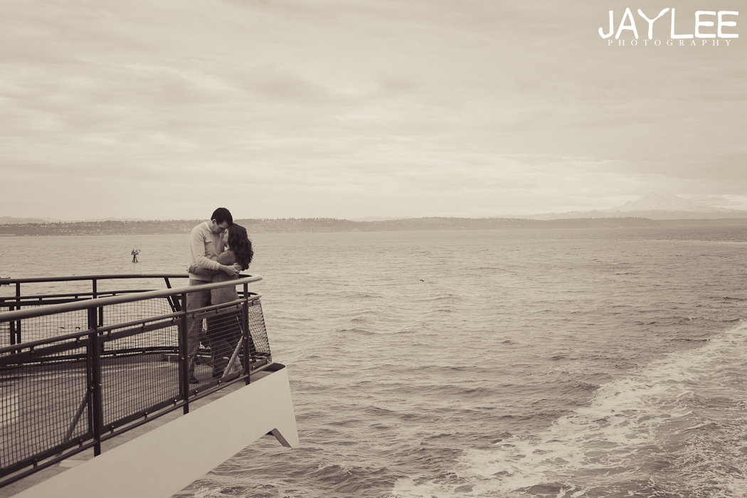 titanic engagement photography, seattle boat photography engagement, boat engagement photography, boat engagement seattle