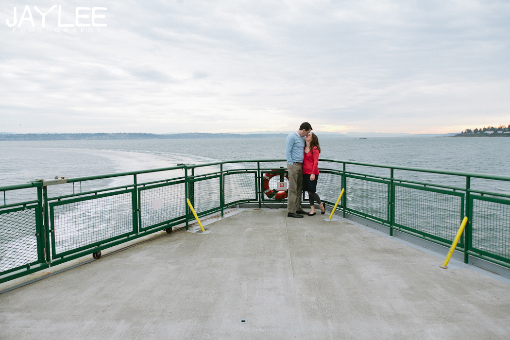 ferry engagement, seattle ferry engagement, engagement photography water, engagement photography seattle water
