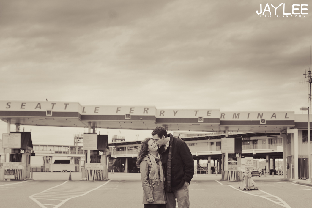 bainbridge ferry engagement, engagement session seattle, unique seattle photography, seattle engagement photographer, seattle wedding photographer, fun seattle wedding photographer, seattle ferry terminal, black and white engagement photography