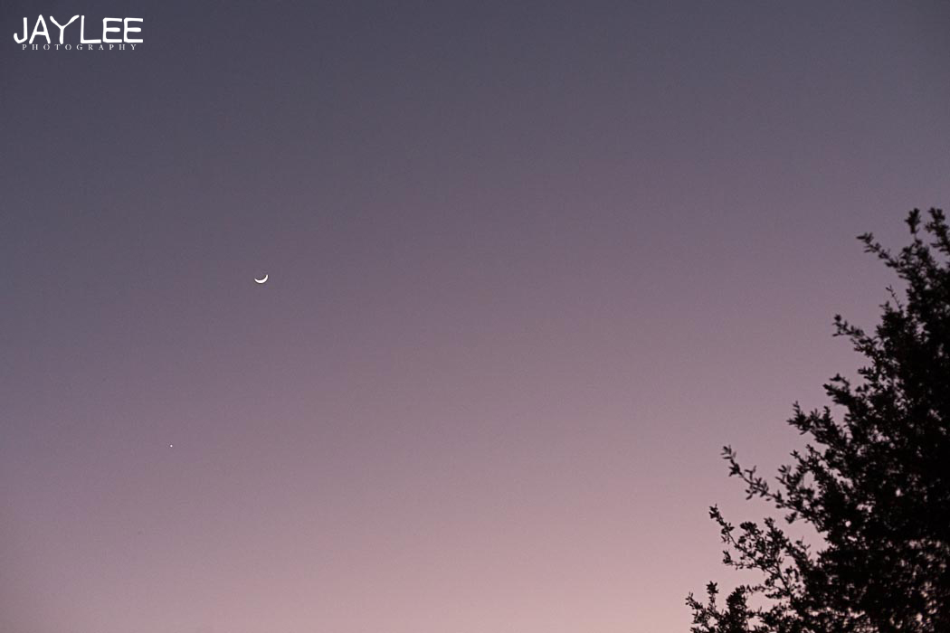 moon picture, sliver moon photo, moon photo, texas moon photo, sunset photography, seattle lifestyle photography, seattle landscape photographer