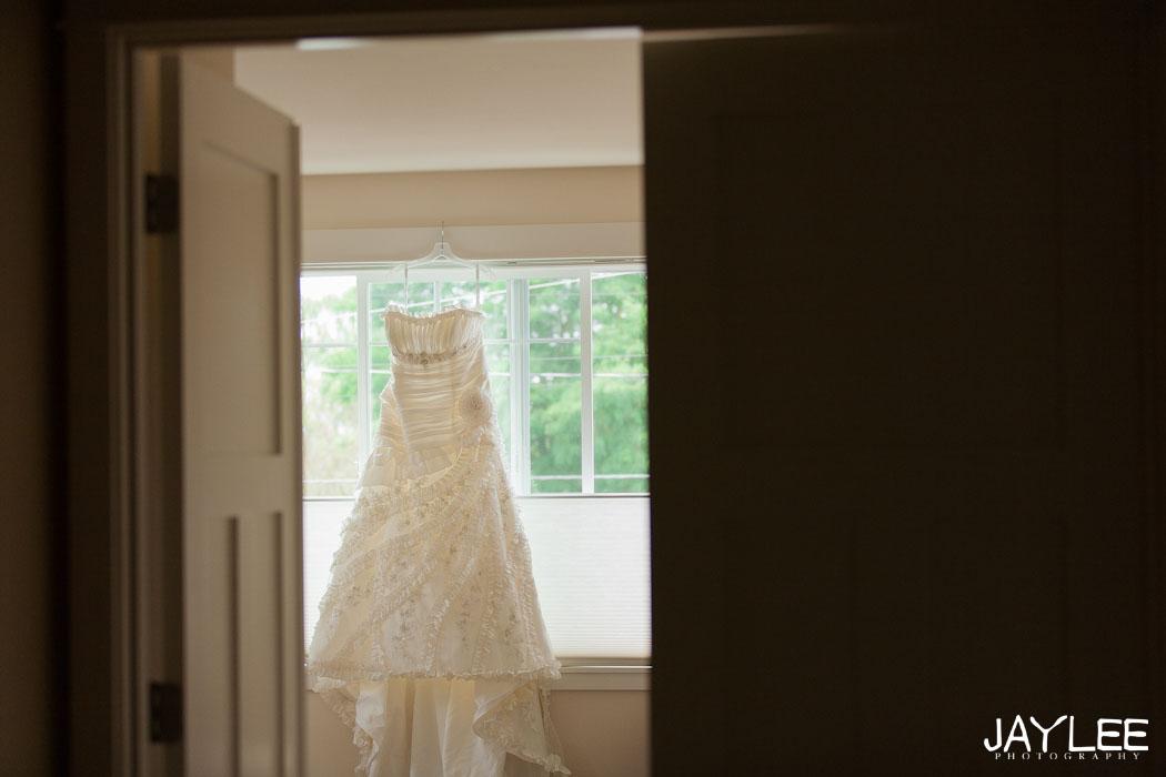 seattle wedding photographer, seattle photography, wedding photographers in seattle, getting ready photographer, offbeat bride seattle, seattle offbeat bride, apw bride