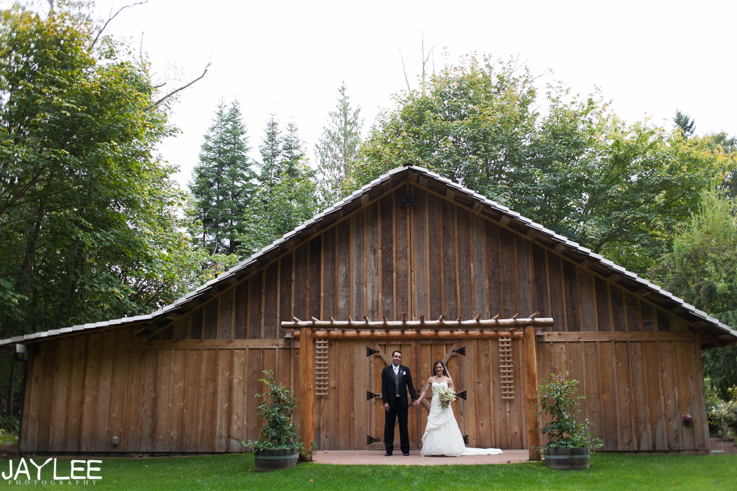 sequim washington photographer, sequim wedding photographer, sequim engagement photographer, seattle washington photographer, barn wedding photographer, barn wedding photography, fern hollow wedding, fern hollow sequin