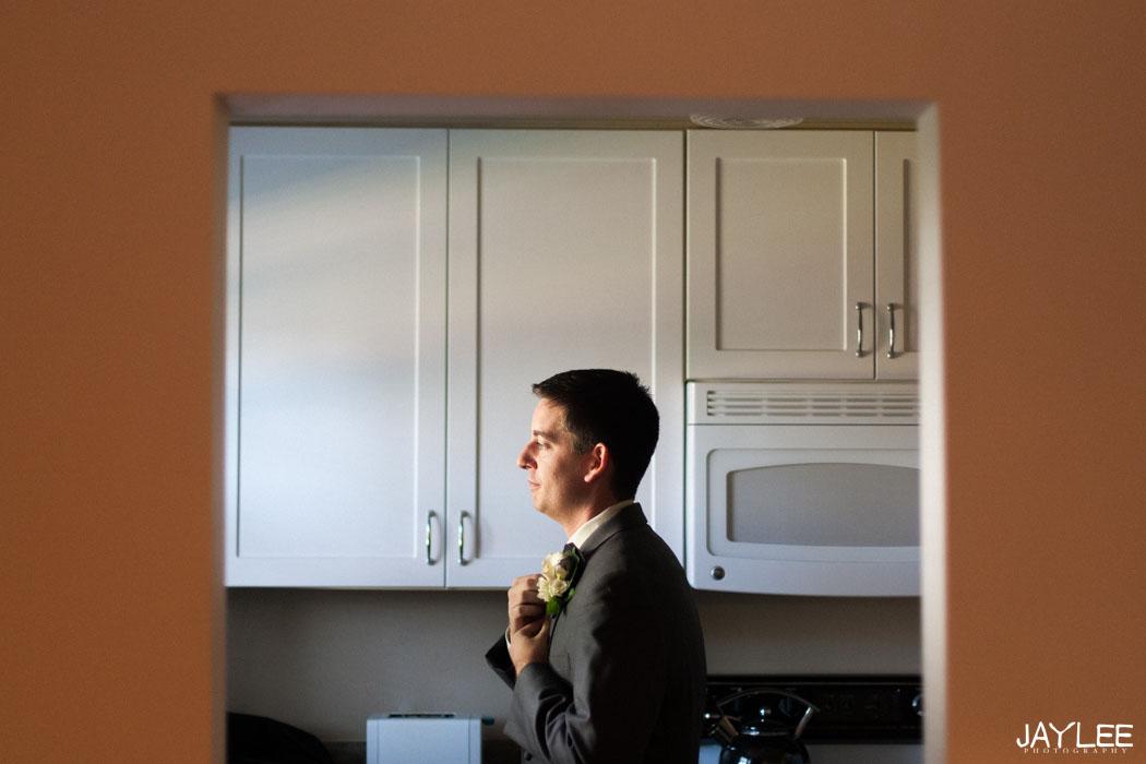 candid wedding photographer seattle