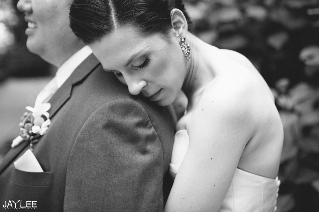 romantic bride and groom in seattle, washington