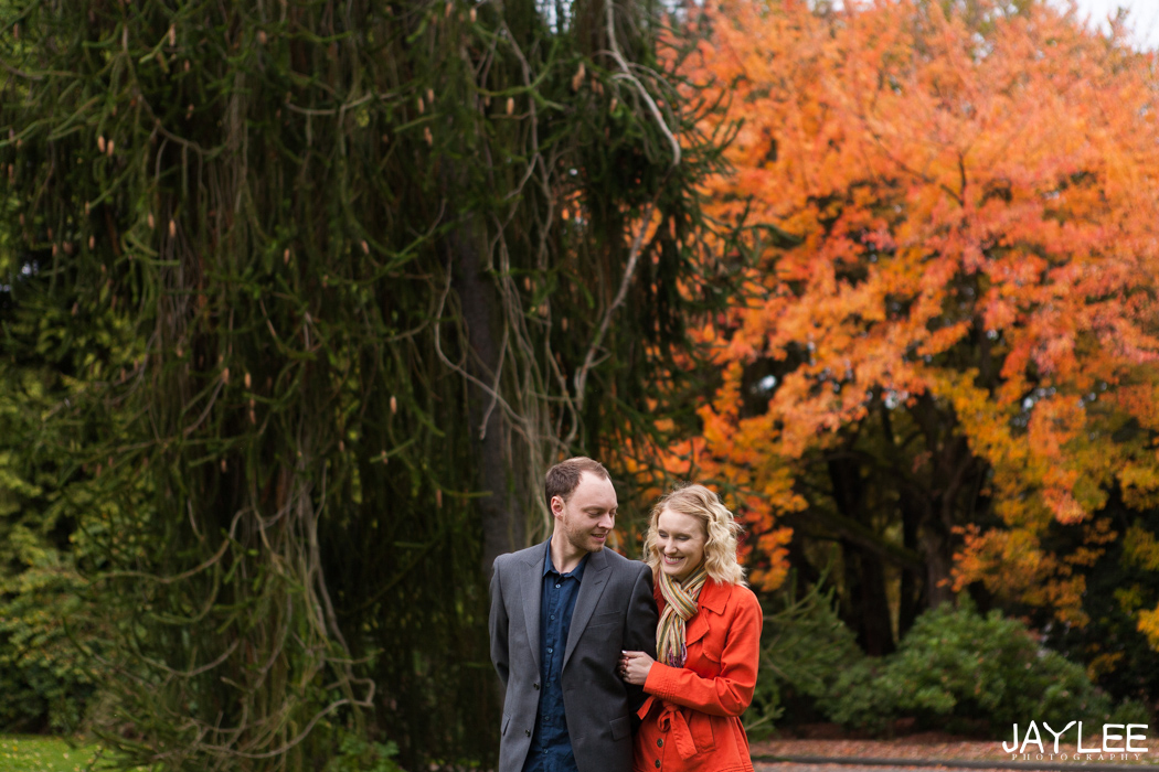 seattle engagement photographer, seattle fall engagement, seattle wedding photographer, beautiful wedding photography, unique seattle photography, wedding photographers seattle, best wedding photographers seattle, candid wedding photographers