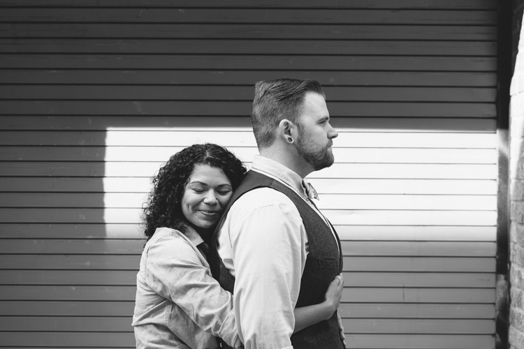 engaged couple photo shoot in downtown seattle washington