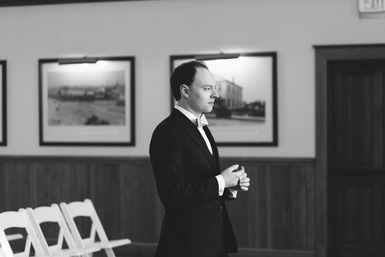 groom waiting for bride at steilacoom town hall