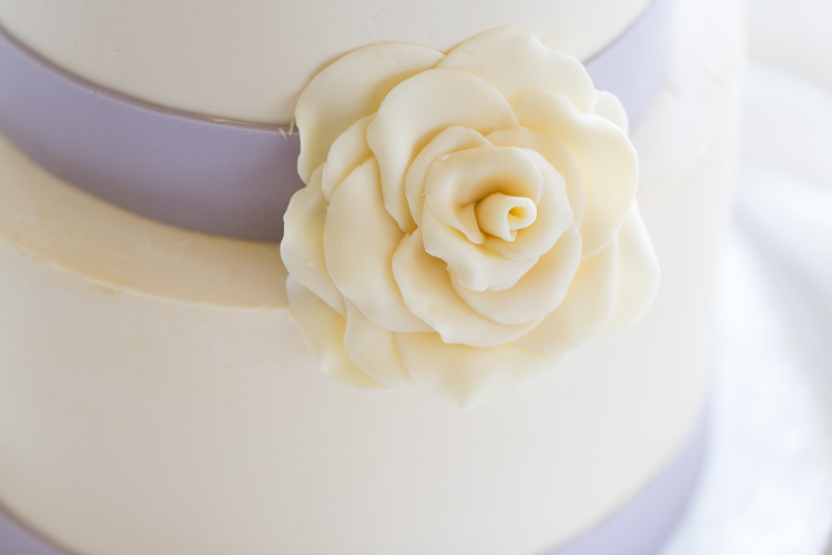 wedding cake flower detail