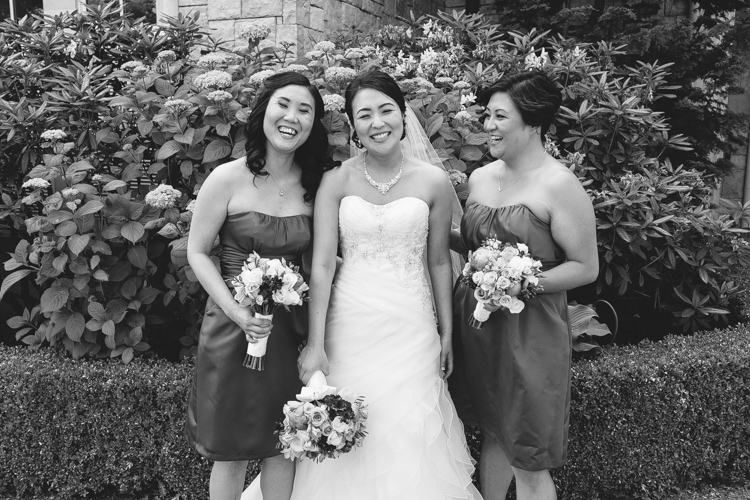 bridesmaid photos wedding