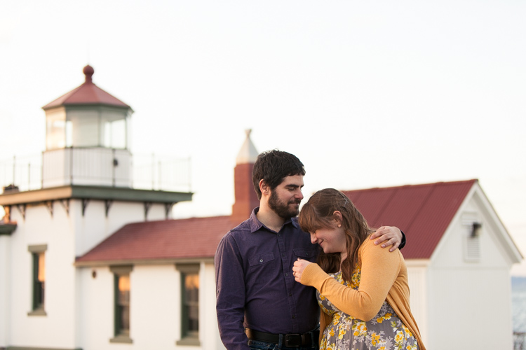 lighthouse engagement session seattle