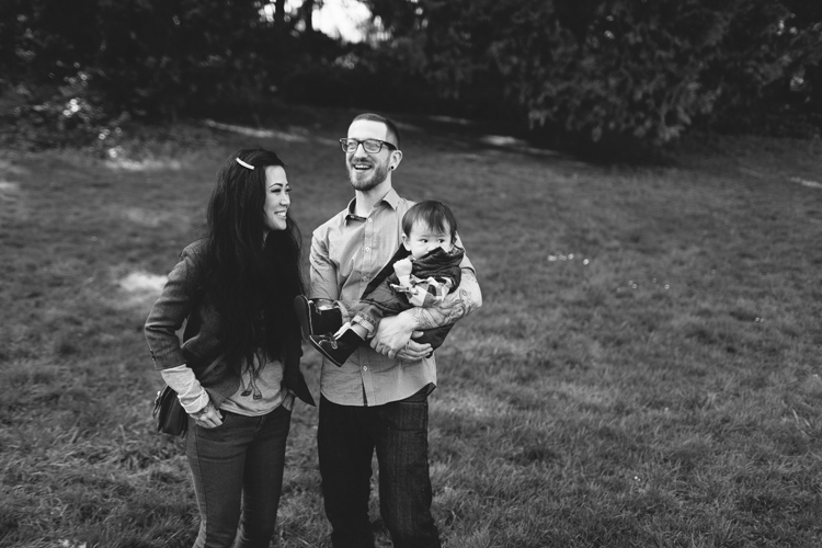 alternative photographer seattle, west seattle photographer, family photographer seattle, awesome family photos, tattooed family photography, modern photography, offbeat portraits seattle, offbeat wedding photographer, seattle engagement photographer