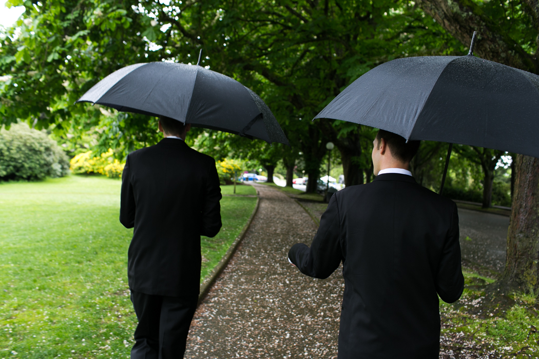 rainy day elopement seattle