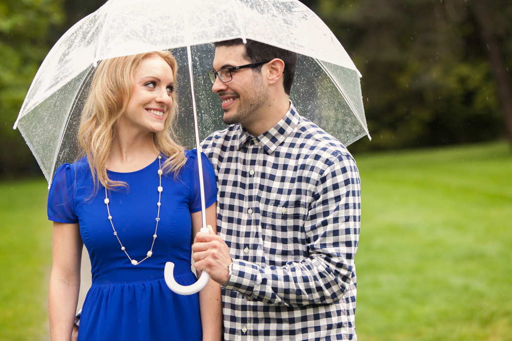 rainy seattle engagement session