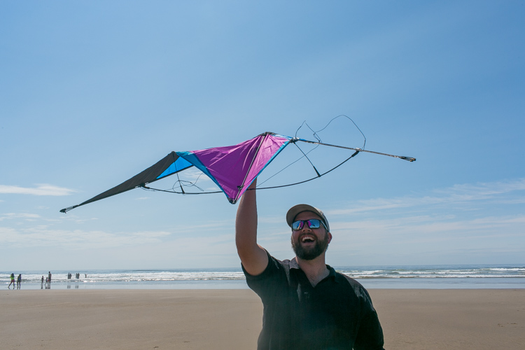 flying a kite cannon beach