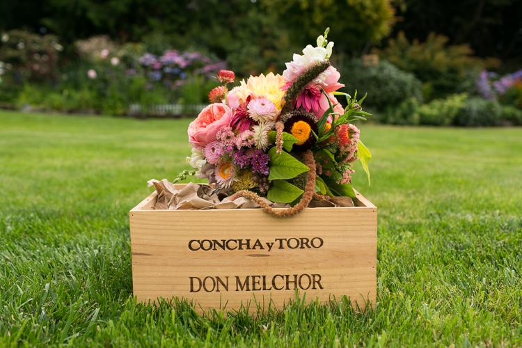 magniflora seattle natural floral wedding bouquet