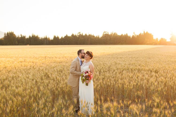 airy natural beautiful wedding photography, best seattle wedding photographers