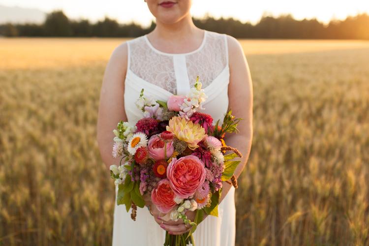 magniflora bouquet photography