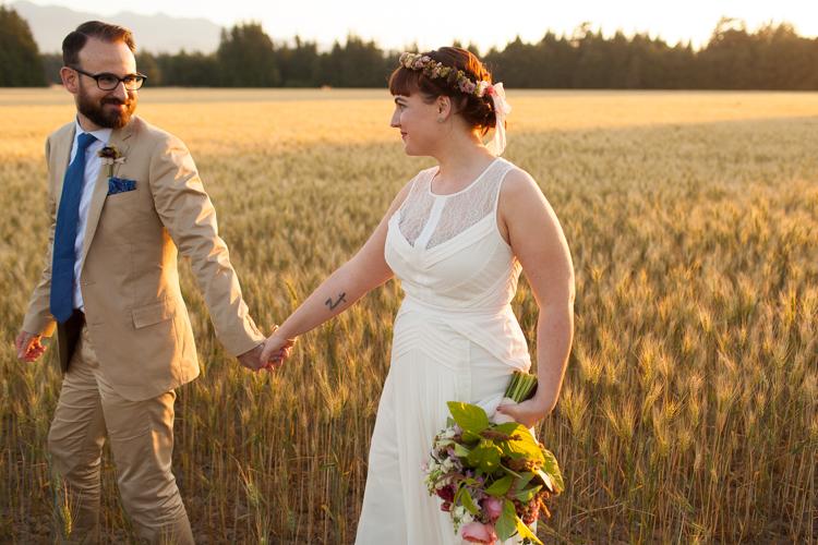 golden hour wedding photography, seattle husband and wife wedding photographers