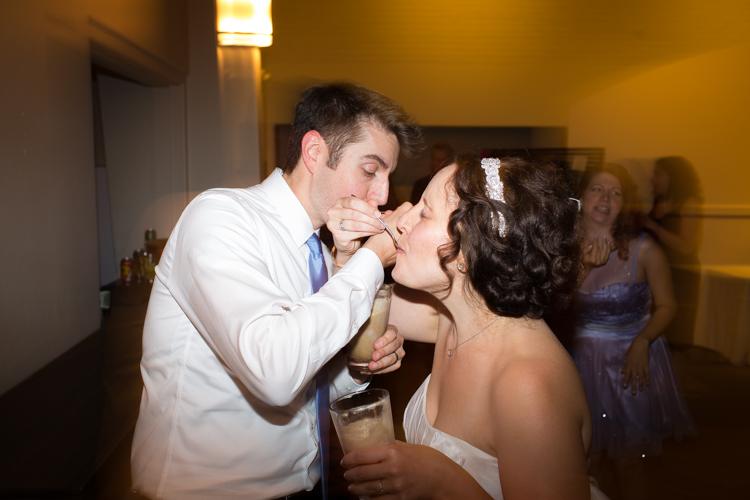Wedding reception food ideas: Root beer float.