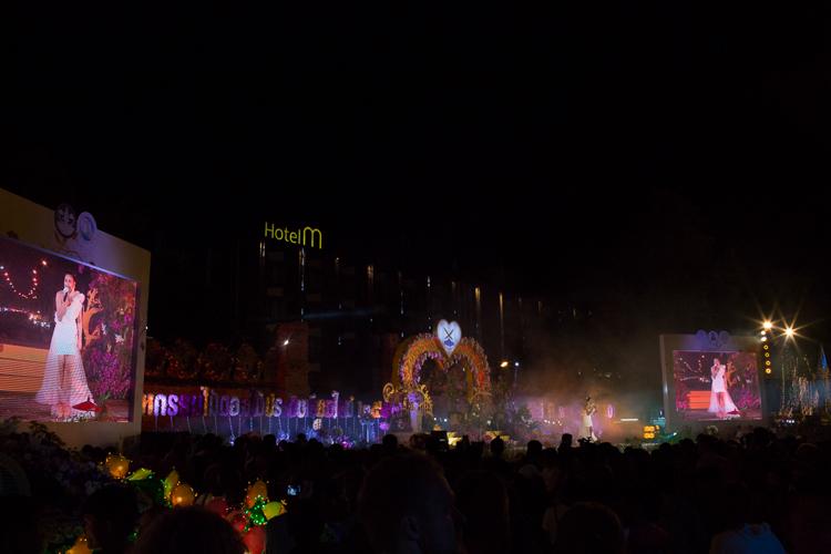 chaing mai flower festival fireworks