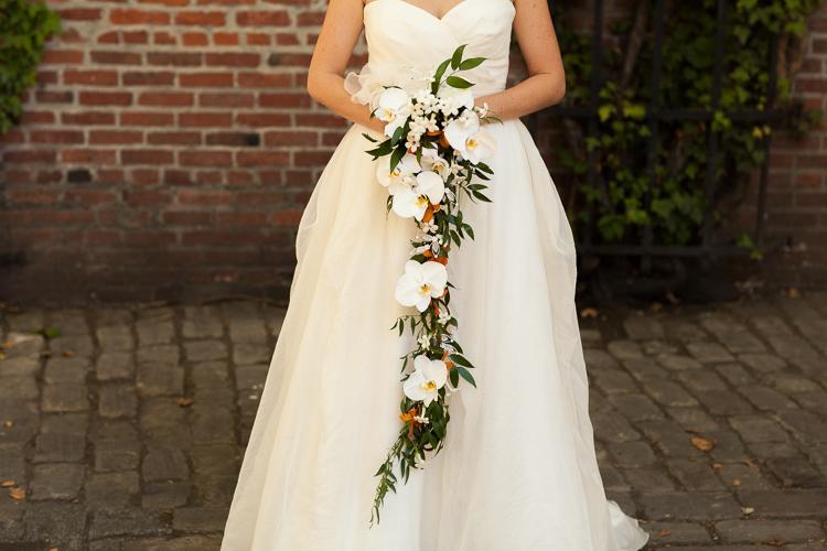 cascading bouquet modern wedding