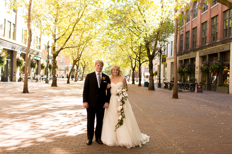 downtown seattle wedding portraits