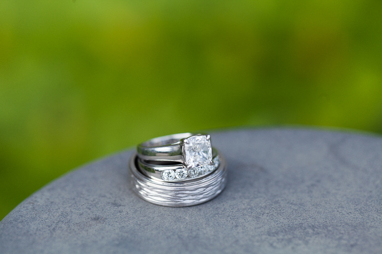 macro wedding ring photography