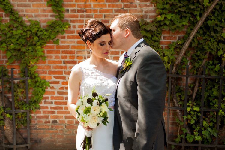 bride and groom sunny wedding day photography