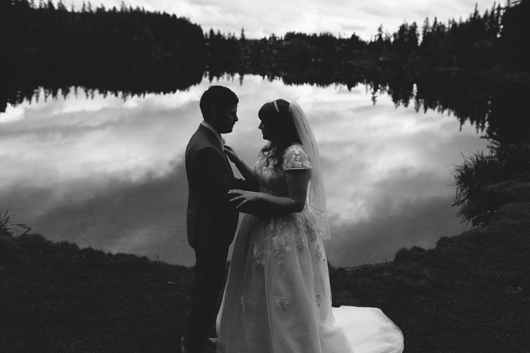 m-j-wed-lake-wilderness-lodge-wedding-39